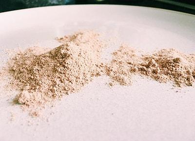 Gemahlene Flohsamenschalen - powdered psyllium husks
